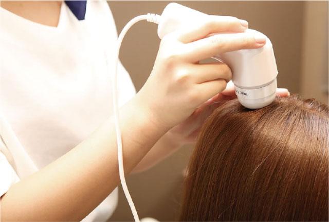 髪と頭皮を診る本格的な問診